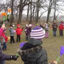Uczniowie SP wLutyni powitali wiosnę