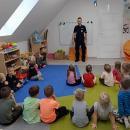 Średzcy policjanci odwiedzili przedszkolaków ipierwszaków wLutyni