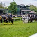 Tłumy na otwarciu sezonu wyścigów konnych na Partynicach