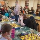 Do stołów zasiedli szachiści