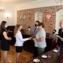 Stypendyści gminnych szkół nagrodzeni przez burmistrza